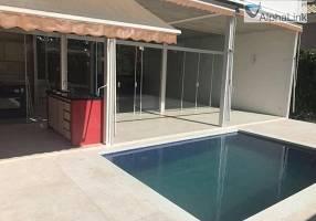 Casa de Condomínio com 4 Quartos para alugar, 420m²