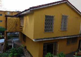 Casa com 4 Quartos para venda ou aluguel, 230m²
