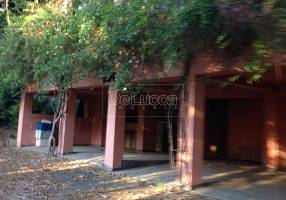 Casa com 3 Quartos para venda ou aluguel, 593m²
