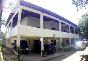 Casa com 4 Quartos para alugar, 350m²