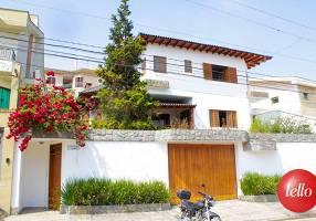 Casa com 4 Quartos para alugar, 600m²