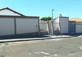 Casa com 3 Quartos à venda, 205m²