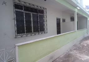 Casa com 2 Quartos para alugar, 65m²