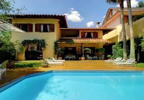 Casa com 4 Quartos para venda ou aluguel, 490m²
