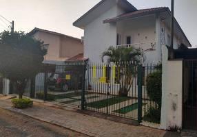 Casa com 5 Quartos à venda, 200m²
