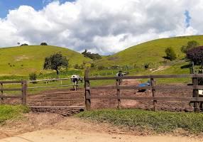 Fazenda/Sítio com 2 Quartos à venda, 200m²