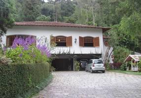 Casa com 6 Quartos à venda, 390m²