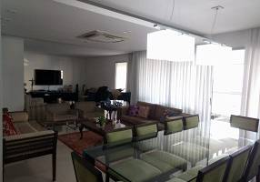 Apartamento com 4 Quartos à venda, 240m²
