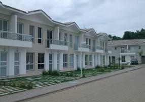 Casa de Condomínio com 2 Quartos à venda, 60m²