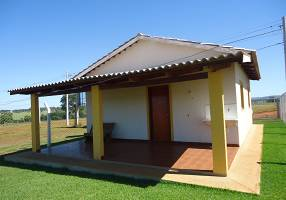 Casa com 2 Quartos à venda, 68m²