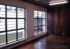 Casa com 3 Quartos à venda, 270m²