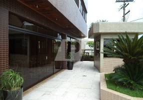 Apartamento com 3 Quartos para venda ou aluguel, 242m²