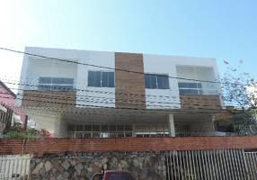 Casa com 8 Quartos para venda ou aluguel, 440m²