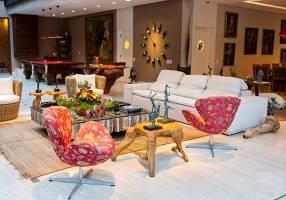 Casa de Condomínio com 4 Quartos à venda, 1600m²