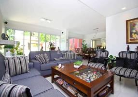 Casa com 4 Quartos à venda, 430m²