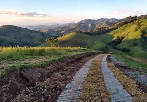 Fazenda/Sítio com 5 Quartos à venda, 40000m²
