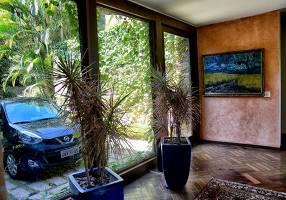 Casa com 3 Quartos à venda, 600m²