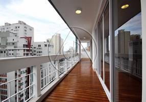 Cobertura com 4 Quartos para venda ou aluguel, 382m²