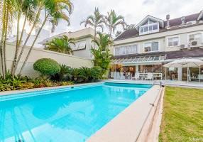 Casa com 5 Quartos à venda, 800m²