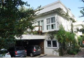 Casa com 5 Quartos à venda, 620m²