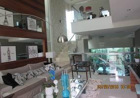Casa de Condomínio com 3 Quartos à venda, 286m²