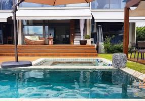 Casa de Condomínio com 4 Quartos à venda, 380m²