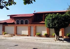 Casa com 7 Quartos à venda, 450m²