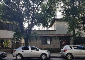 Casa com 6 Quartos para alugar, 500m²
