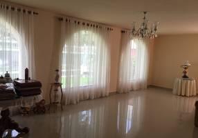 Casa com 3 Quartos à venda, 198m²