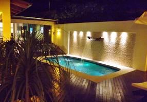 Casa com 4 Quartos para alugar, 200m²