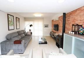 Casa com 3 Quartos à venda, 229m²