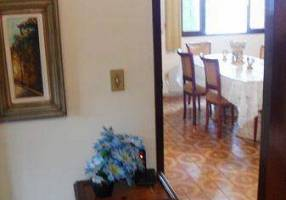 Casa com 8 Quartos à venda, 800m²