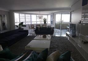 Apartamento com 3 Quartos à venda, 272m²