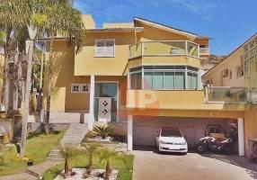 Casa de Condomínio com 4 Quartos para alugar, 460m²