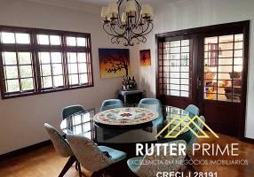 Casa com 3 Quartos à venda, 320m²