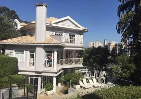 Casa de Condomínio com 4 Quartos à venda, 1300m²