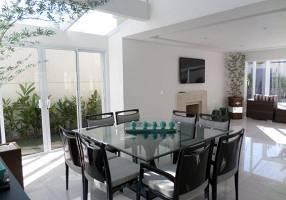 Casa com 4 Quartos para venda ou aluguel, 400m²