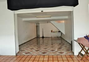 Casa com 3 Quartos à venda, 137m²