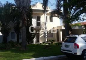 Casa de Condomínio com 4 Quartos para venda ou aluguel, 400m²
