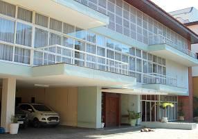 Casa com 6 Quartos para venda ou aluguel, 1550m²
