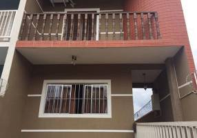 Casa com 3 Quartos à venda, 193m²