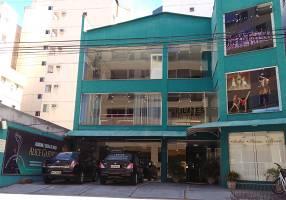 Imóvel Comercial com 6 Quartos à venda, 576m²