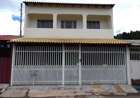 Casa com 4 Quartos à venda, 220m²