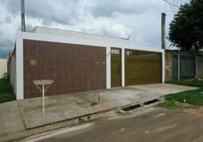 Casa com 3 Quartos à venda, 138m²