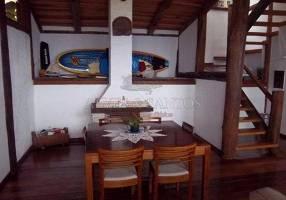 Casa com 4 Quartos à venda, 250m²