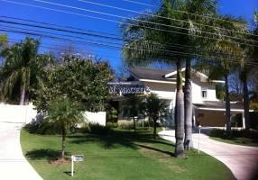 Casa com 4 Quartos à venda, 640m²