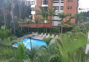 Apartamento com 3 Quartos para venda ou aluguel, 198m²