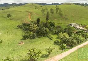 Fazenda/Sítio com 4 Quartos à venda, 1631250m²