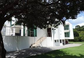 Casa de Condomínio com 4 Quartos para venda ou aluguel, 482m²