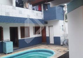 Casa com 5 Quartos à venda, 240m²